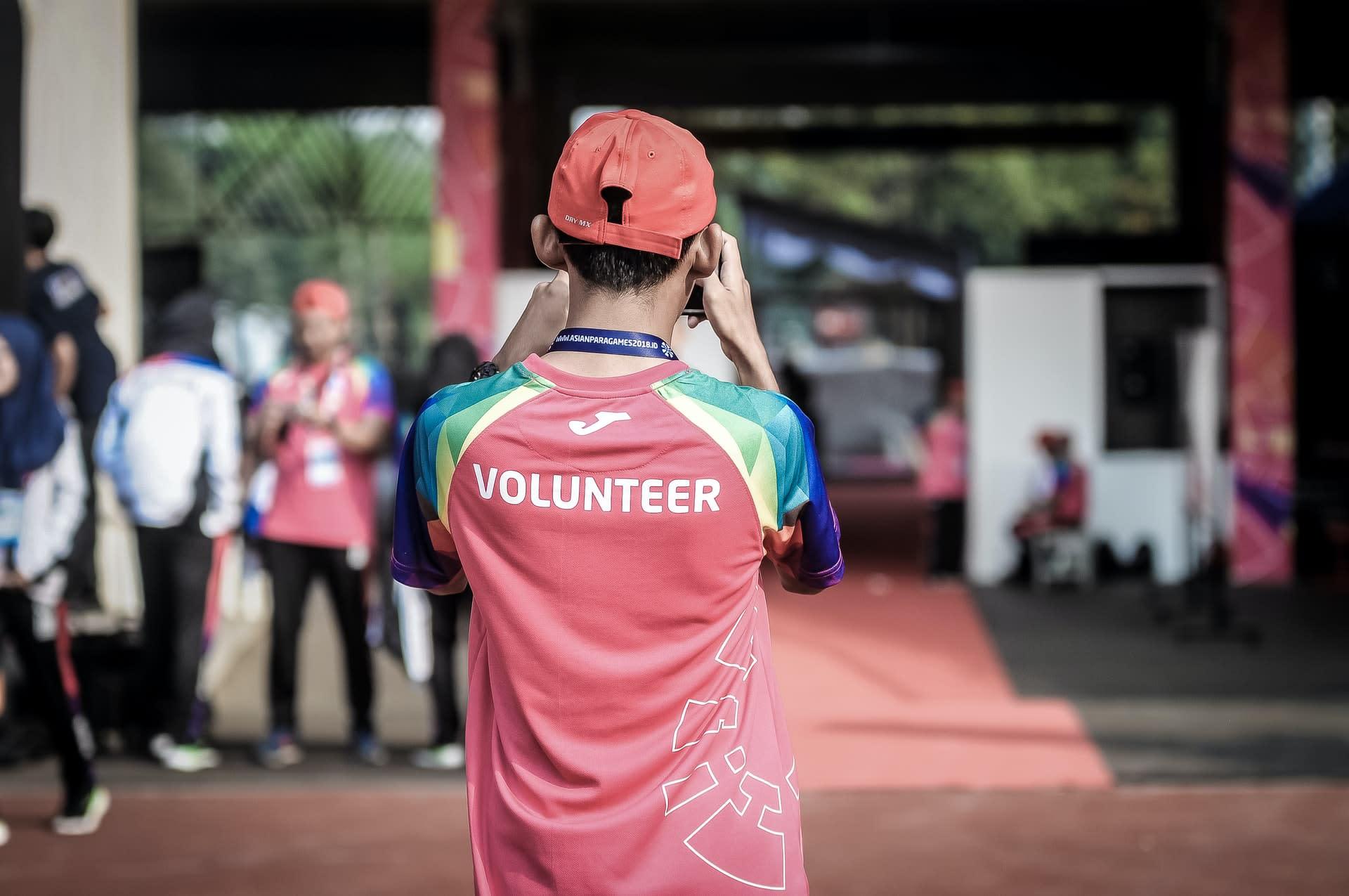 A volunteer in action